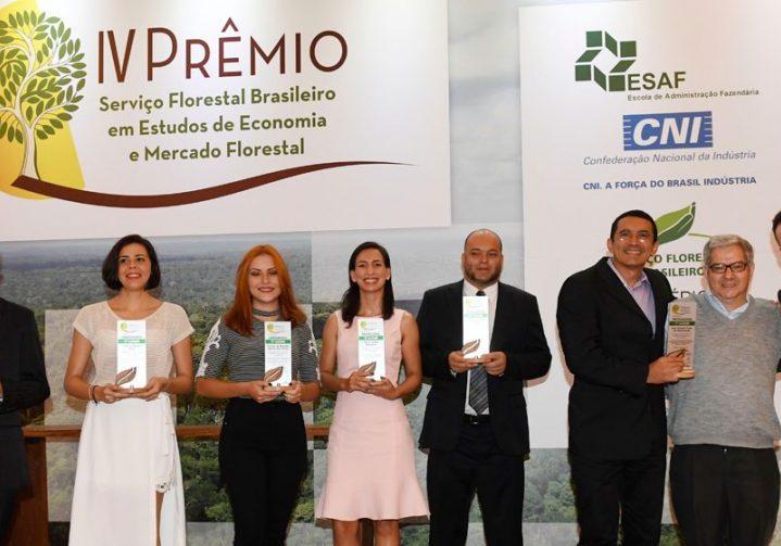 A 4ª edição do Prêmio en Estudos de Economia e Mercado Florestal ocorreu terça-feira (21), na sede da CNI. Foto: José Lacerda/CNI.